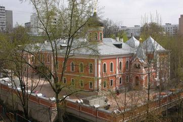 Здание Митрополичьих палат вернули Подворью в 1995 году.